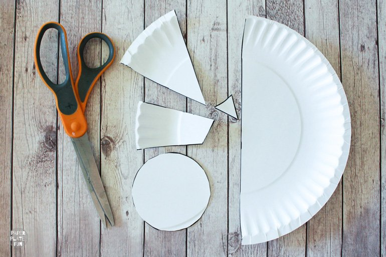 Use the free paper plate bird template in this post to create a paper plate bird craft.