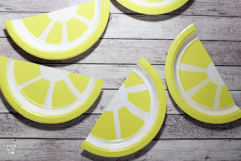 Learn how to create a paper plate lemon bunting in this post!