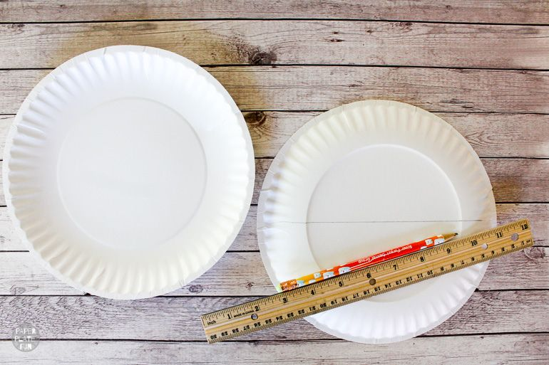Use paper plates to make a useful seat sack for classroom organization!
