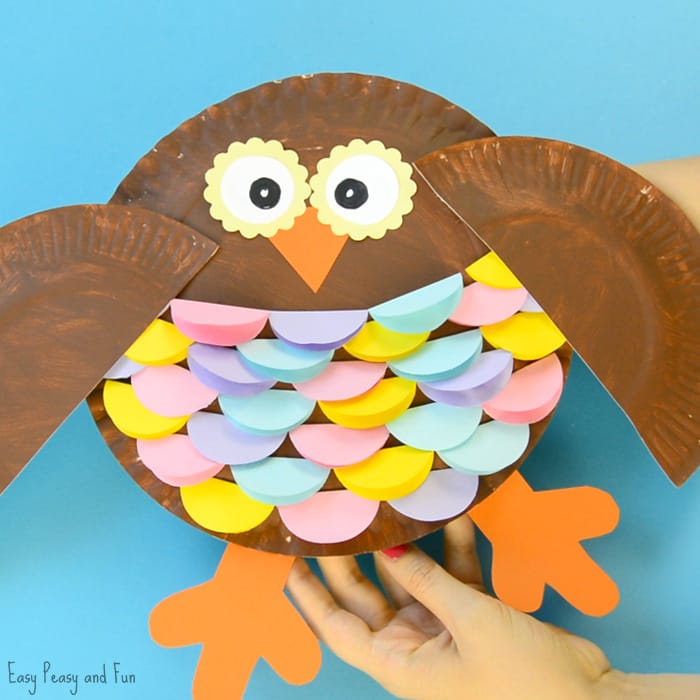 This colorful paper plate owl craft from Easy Peasy and Fun is one of fifteen fall paper plate crafts for kids shared in this great blog post!
