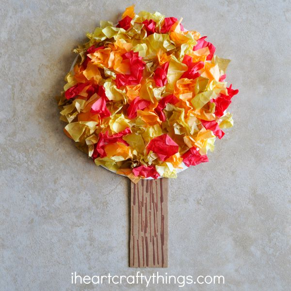 This fall tree paper plate craft from I Heart Crafty Things is one of fifteen fall paper plate crafts for kids shared in this great blog post!