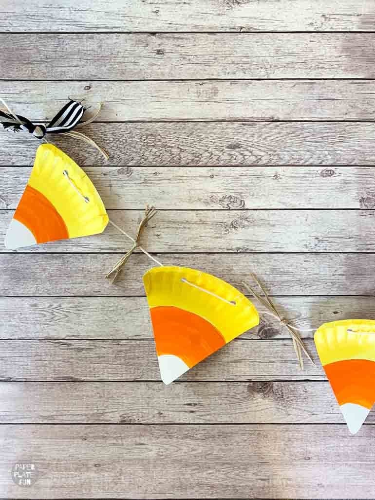 DIY candy corn banners are so easy to make!