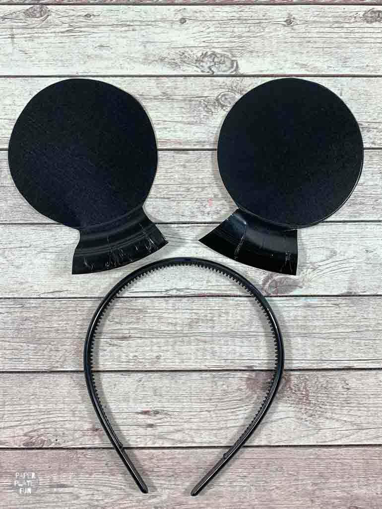 Get ready to glue your Mickey Mouse ears to a headband!